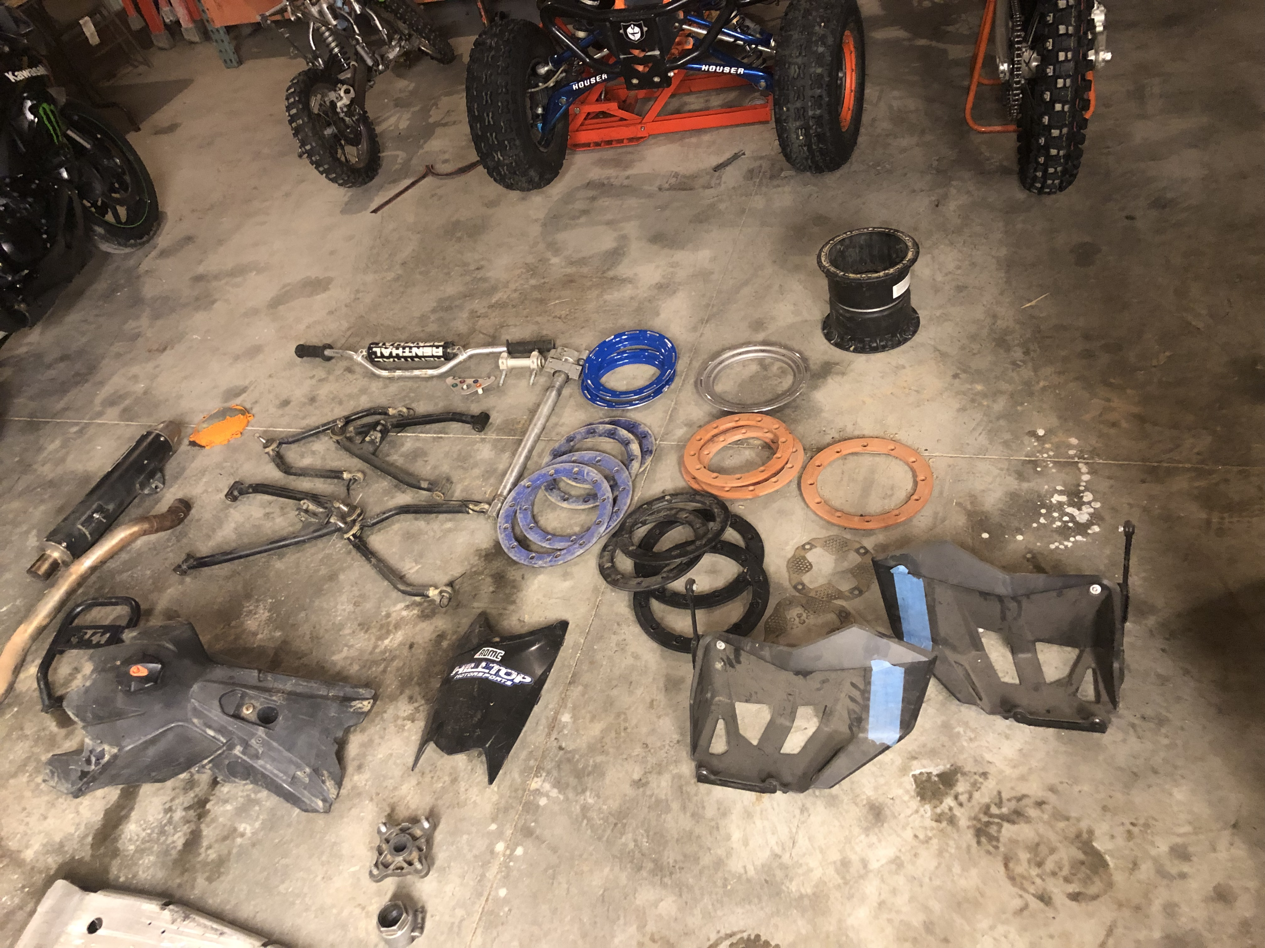 Parts for sale-99018f67-1fde-422c-98bf-84966117e616.jpeg