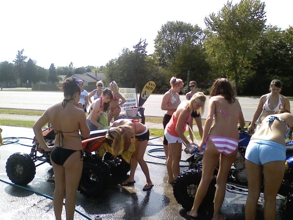 Cheerleader bikini car wash pictures