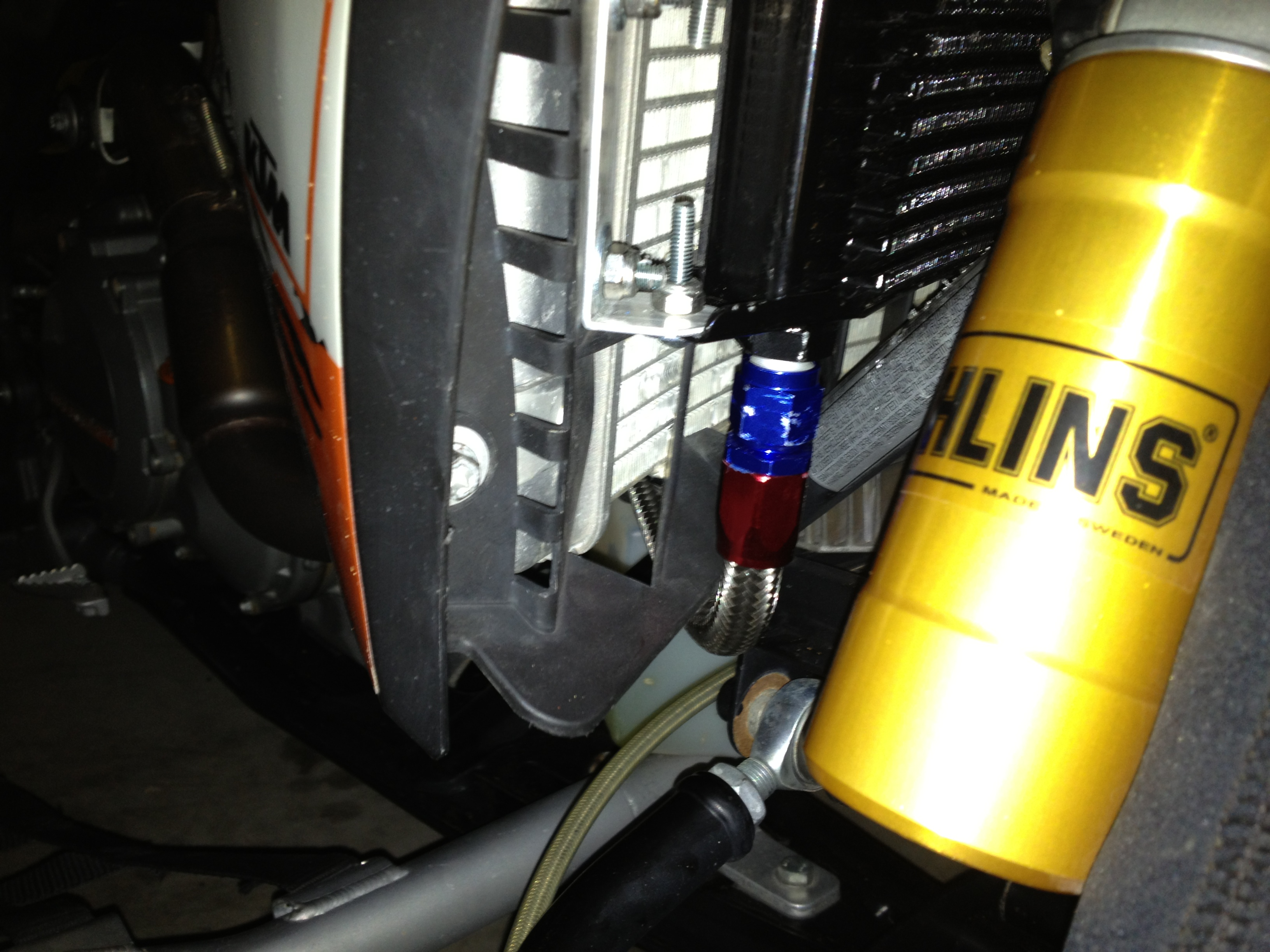 oil Cooler Mounting photo's-img_0937.jpg
